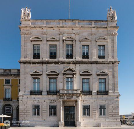 Lissabon Haus am Platz