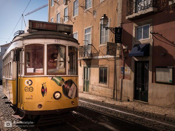 Lissabon Straßenbahn Gelb
