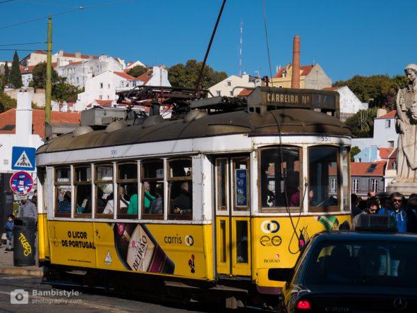 Lissabon gelbe Straßenbahn