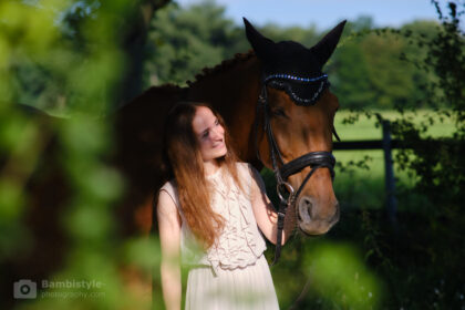 Fotoshooting mit Linda und Pferd Kanak im Grünen